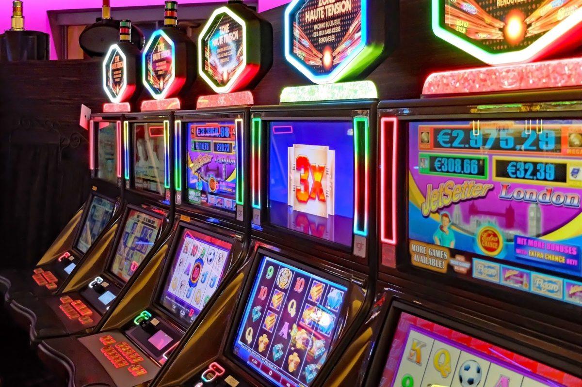 Hur man skiljer mellan original casino slots och falska slots på nätet